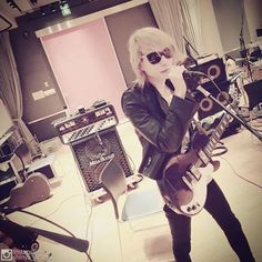 Shinya, Dir en grey , at rehearsal with Toshl