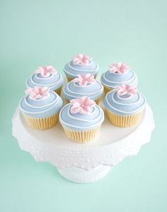 Cupcakes decorated with gum paste flowers