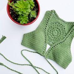 Fabulous Crochet a Little Black Crochet Dress Ideas. Georgeous Crochet a Little Black Crochet Dress Ideas. Top Tejidos A Crochet, Tops A Crochet, Crochet Summer Tops, Crochet Crop Top, Love Crochet, Bikinis Crochet, Crochet Bra, Crochet Woman, Crochet Blouse