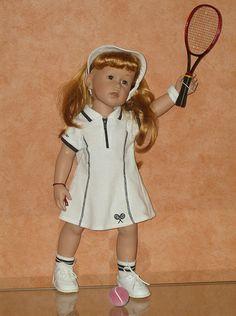 JADE et le tennis. www.Lilianedolls.skyrock.com.