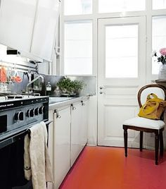 orange kitchen floor - http://orangekitchendecor.siterubix.com/ - neat idea!  #ppgorange