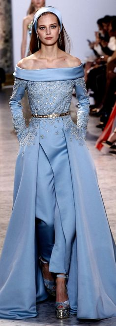 Elie Saab Spring Summer 2017 Haute Couture Collection - Share The Looks Fashion 2017, Runway Fashion, High Fashion, Fashion Show, Paris Fashion, Trendy Fashion, Style Fashion, Elie Saab Couture, Style Haute Couture