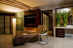 Dazzling Modern Day South African House Charms With Elegant Warm Hues interior design 2 Modern House Design, Modern Interior Design, Kempton Park, African House, Home Design Living Room, Small Fireplace, Luxury Homes Dream Houses, Dream Homes, Minimalist Home Interior