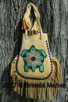 Athabascan beadwork by Brenda Mahan, Indian Beadwork, Native Beadwork, Native American Beadwork, Beaded Bags, Beaded Jewelry, Native American Crafts, Medicine Bag, Tribal Fashion, Loom Beading