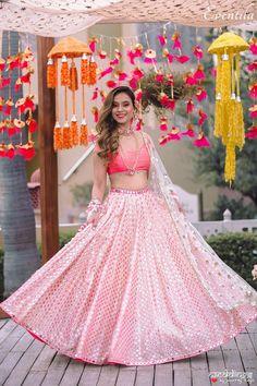 Best Bridal Lehenga designs this wedding season! Muslim Wedding Dresses, Indian Wedding Outfits, Indian Outfits, Wedding Gowns, Mirror Work Lehenga, Mehendi Outfits, Mehndi Decor, Lehnga Dress, Lehenga Designs