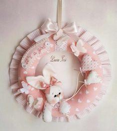 Felt Wreath, Wreath Crafts, Felt Crafts, Diy And Crafts, Ballet Baby Shower, Baby Deco, Baby Shower Crafts, Felt Baby, Dream Baby