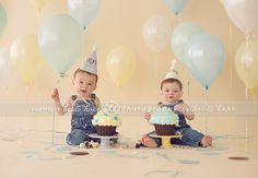 A classic baby boy cake smash for the most adorable twin brothers. Happy first birthday G and R! » Heidi Hope Photography