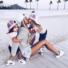 Sneakers Family Quoi de plus mignon que des minis baskets Adidas . from @miss.lendel . #adidas #lookdujour #sneakers #commemaman #famille #kidslook #lookenfant #basketaddict #shoes #ootd #kidsfashion #mamanblogueuse #amour #fashion