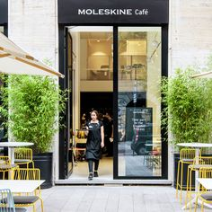 Moleskine Café opens an innovative brand experience in Milan with a retail format that also includes an art gallery, store and library