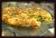 Tortilla de patatas, cebolla y champiñones. http://www.tererecetas.com/2014/07/tortilla-de-patatas-cebolla-y.html