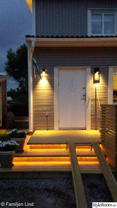 trappa,entre,ledbelysning ute Blue Heron, Outdoor Furniture, Outdoor Decor, My Dream Home, Porch, Garage Doors, Villa, New Homes, House Design