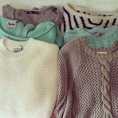 Inexpensive chunky sweaters for fall, and cute ways to style them!