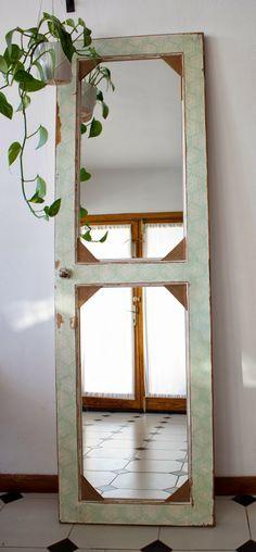 Metamorfosis: Puerta espejo Diy Mirror, Old Doors, Window Frames, Bottle Crafts, Cottage Chic, Furniture Makeover, Office Decor, Farmhouse Decor, Old Windows