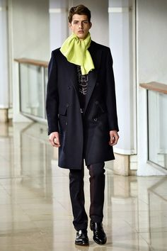Coleção // Hermès, Paris, Inverno 2016 RTW // Foto 27 // Desfiles // FFW