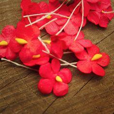 Miniature Paper Flower Applique  #craft365.com