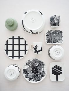 MARIMEKKO KEVÄT 2017 ASTIAUUTUUDET Modern Scandinavian Interior, Scandinavian Design, Marimekko, Ceramic Plates, Decorative Plates, Fashion Design Classes, Kitchenware, Tableware, Decoration
