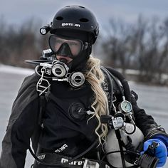 David Beckham Suit, Women's Diving, Snorkel Mask, Scuba Girl, Swimming Gear, Gear S, Military Love, Full Face Mask, Sport Girl