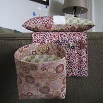 Elizabeth's Fabric Focus ~ Pincushion and Thread Catcher