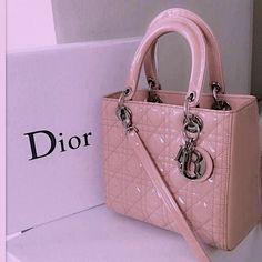 Hermes Handbags, Fashion Handbags, Purses And Handbags, Fashion Bags, Dior Fashion, Hermes Bags, Handbags Online, Pink Purses, Valentino Handbags