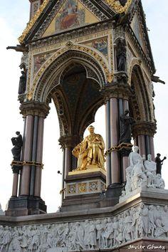 Albert Memorial, monumento en homenaje al amado esposo de la Reina Victoria, Alberto.