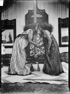 Digitised Image Polynesian People, Polynesian Culture, Nz History, Maori Patterns, Flax Weaving, Maori People, Maori Art, Easter Island, Charles Darwin