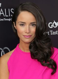 Abigail Spencer Photos Photos - Actress Abigail Spencer arrives at the 10th Annual InStyle Summer Soiree held at The London Hotel on August 10, 2011 in West Hollywood, California. - 10th Annual InStyle Summer Soiree - Arrivals