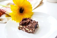 A foolproof vegan rocky road recipe that uses one simple trick to give you the perfect balance of chocolate flavours with plenty of fillings!