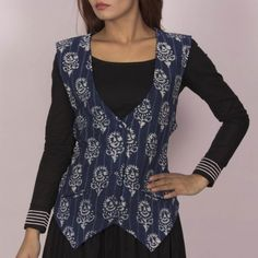 Get along an occasion look along with a gorgeous shrug for a glamorous gown. Kurti Patterns, Dress Patterns, Salwar Designs, Blouse Designs, Coats For Women, Jackets For Women, Clothes For Women, Kurti With Jacket, Ikkat Dresses