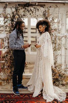 Wedding Dresses With Sleeves Boho Etsy Wedding Dress Long Wedding Dresses, Boho Wedding Dress, Bridal Lace, Bridal Gowns, Boho Bride, Lace Wedding, Wedding Beach, Bridal Style, Bohemian Gown