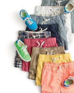 Crew for the Boys' dock short in garment-dyed chino. Find the best selection of Boys Shorts available in-stores and online. Flats Outfit, Swim Shorts, Guys Shorts, Italian Leather Shoes, J Crew Men, Short Shirts, Tailored Suits, Mens Suits, Boy Outfits