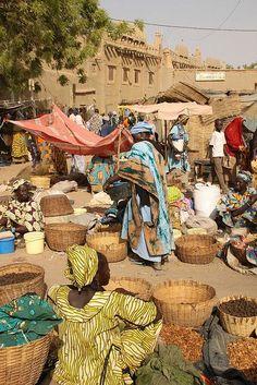 Famoso mercado de segunda-feira em Djennés, no Mali.  Fotografia: Raphael de Bick no Flickr.