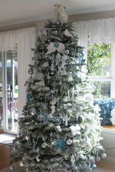 For the Love of White's White, Sliver, and Blue Christmas Tree Christmas Tree 2014, Silver Christmas Tree, Winter Wonderland Christmas, Beautiful Christmas Trees, Colorful Christmas Tree, Christmas Tree Themes, Very Merry Christmas, Christmas Love, All Things Christmas