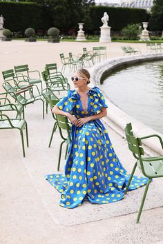 How to wear a polka dot dress // Blair Eadie in Paris // Atlantic-Pacific Little Fashion, Work Fashion, Trendy Fashion, Mint Skirt, Blair Eadie, Green Highlights, Atlantic Pacific, Summer Fashion For Teens, Purple Sweater