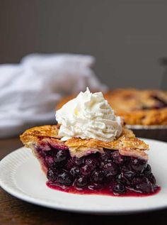 Blueberry Pie is the classic dessert favorite made with fresh blueberries, a lattice crust and a coarse sugar topping that's a perfect holiday dessert in just an hour! Easy Blueberry Pie, Blueberry Pie Recipes, Delicious Desserts, Dessert Recipes, Dessert Salads, Fruit Dessert, Recipes Dinner, Holiday Recipes, Apple Crumble Recipe