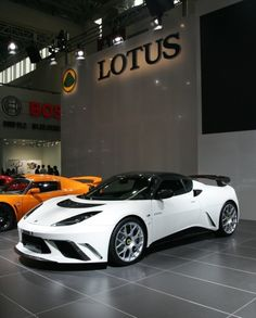 Have to say I'm not a huge Lotus fan but this is hot. I love the body and you can n e v e r go wrong with white.