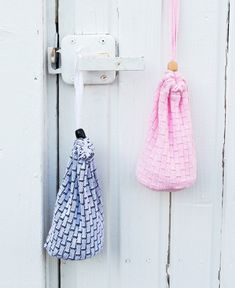 Reusable make up pads + laundry bag. Made from excess clippings of the Kaino-collection. Shop now Small Laundry, Finland, Organic Cotton, Shop Now, Great Gifts, Make Up, Bags, Shopping, Design