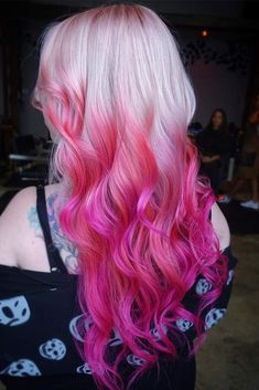 45 Trendy Ombre Hair Color Ideas Want to try ombre hair, but not sure what look? We have put together a list of the hottest ombre looks for you to try! Why not go for a new exciting look? Purple Ombre, Ombre Look, Pink Ombre Hair, Magenta Hair, Blond Ombre, Pink Blonde Hair, Hot Pink Hair, Platinum Blonde, Hair Dye Colors