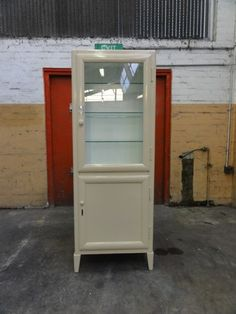 1930s Medical Cabinet   Would Love For My Bathroom!