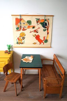 Vintage is back and this retro inspired kidsroom is the perfect space where they have the room to imagine and grow. Retro Kids, Retro Baby, Vintage Kids, Vintage Style, Big Girl Rooms, Boy Room, Baby Bedroom, Kids Bedroom, Ideas Habitaciones