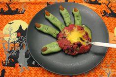 epätrendikäs ruokablogi: Halloween: noidan käsi lautasella - Varoitus! Kuvat saattavat järkyttää herkimpiä lukijoita!