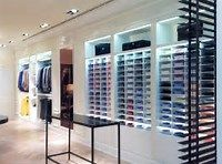 Small Retail Clothing Store Design Ideas | Store interior Design ...