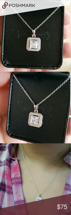 18k Swarovski Princess cut necklace Brand new never used comes with a nice box (not a Swarovski box). 18k gold plated Swarovski Element crystals. Chain is 18in long. Retail value $289 Swarovski Jewelry Necklaces