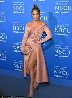 Jennifer Lopez flashes cleavage at NBC event #dailymail