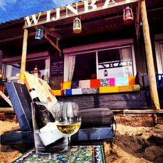 Wine bar at the beach