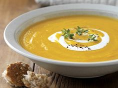 I have never been a pumpkin lover but I do love this soup. It is easy and can be changed into vegetarian, or by changing the meat in it you can change the flavour too. give this soup a go as it is so nice. Baby Food Recipes, Soup Recipes, Colombian Cuisine, Healthy Snacks, Healthy Recipes, Getting Hungry, Pumpkin Soup, Low Calorie Recipes, Soup And Salad