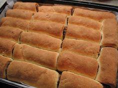 Úžasne chutné domáce mini-rolky, po ktorých sa u vás doma len tak zapráši. Hot Dog Buns, Hot Dogs, Nutella, Cooking Recipes, Bread, Baking, Food, Basket, Chef Recipes