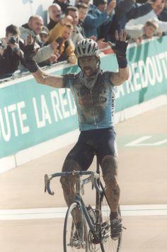 Paris-Roubaix 2002_Johan Museeuw 1er_Steffen Wessemann 2e_Tom Boonen 3e (Google.ca)