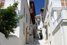 5 Μαΐ 2020 - Ολόκληρο σπίτι/διαμέρισμα for convient appartment in the centre of village Glossa,with a wonderfull view. Glossa is a. Skopelos Greece, Places, House, Home, Homes, Houses, Lugares