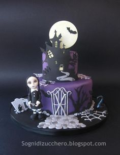 Halloween Cake by Sogni Di Zucchero Letizia Bruno. Halloween cake pin board by Asher Socrates. #cakes #halloween #recipes