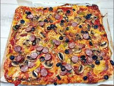 Romanian Food, Flatbread Pizza, Pepperoni, Vegetable Pizza, Food And Drink, Vegetables, Recipes, Mai, Breads